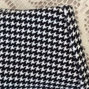 Chico's so slimming houndstooth stretchy ankle